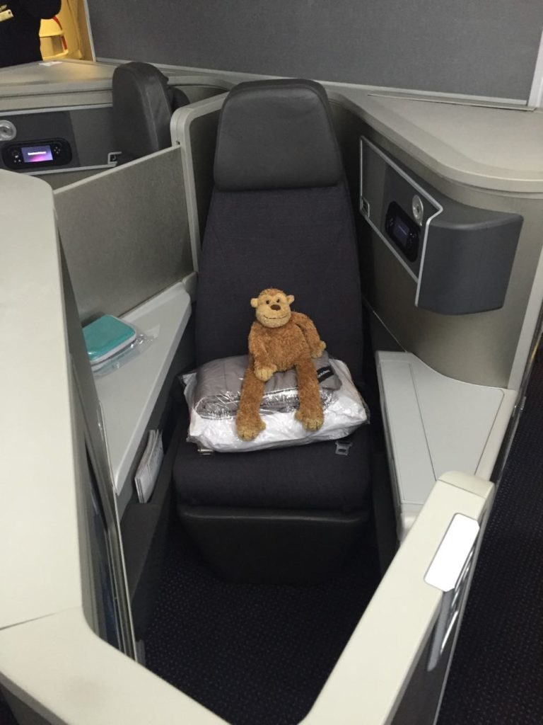 American Airlines Business Class 777-200 London to Chicago - 5 of 46