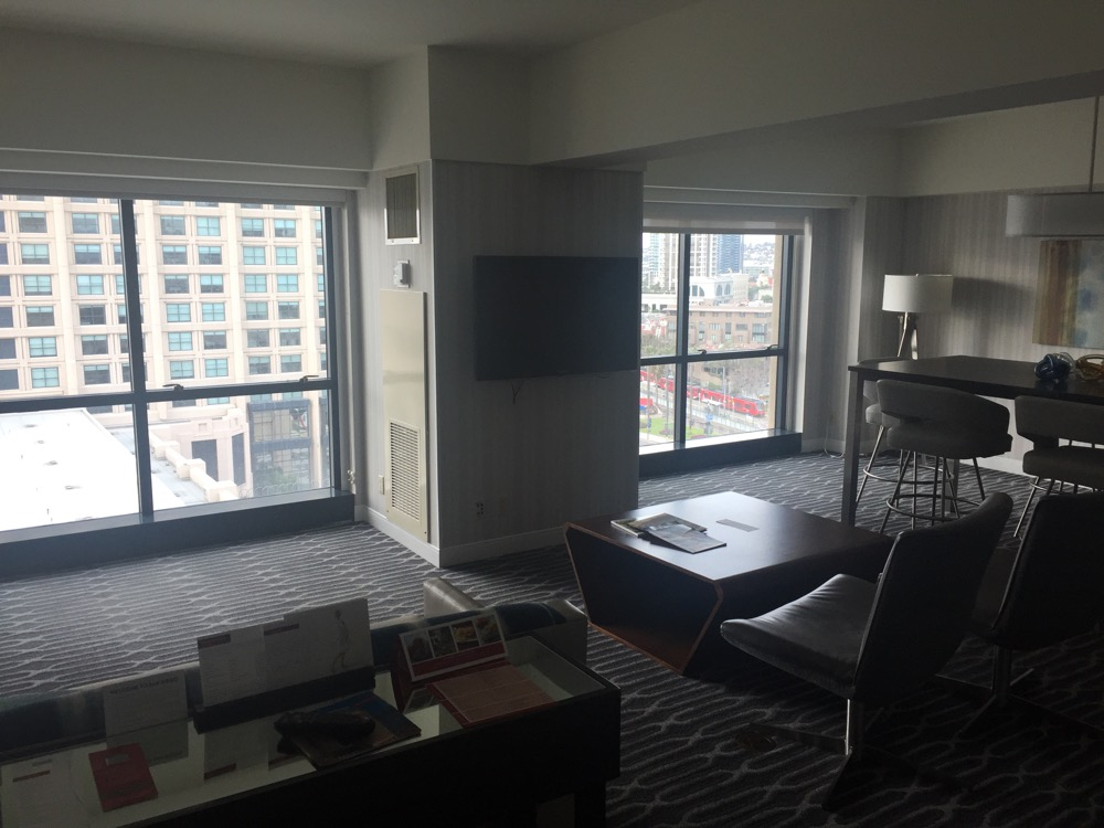 POP: Manchester Grand Hyatt San Diego, Signature Suite