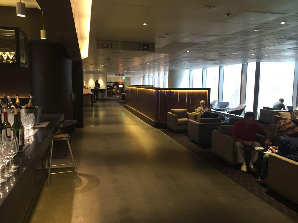 One World Lounge LAX Tom Bradley - 9 of 36