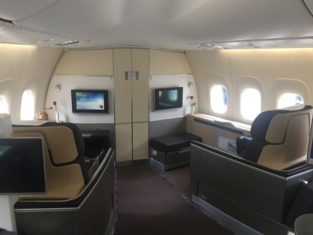 lufthansa-first-class-747-8-frankfurt-to-los-angeles-36-of-161